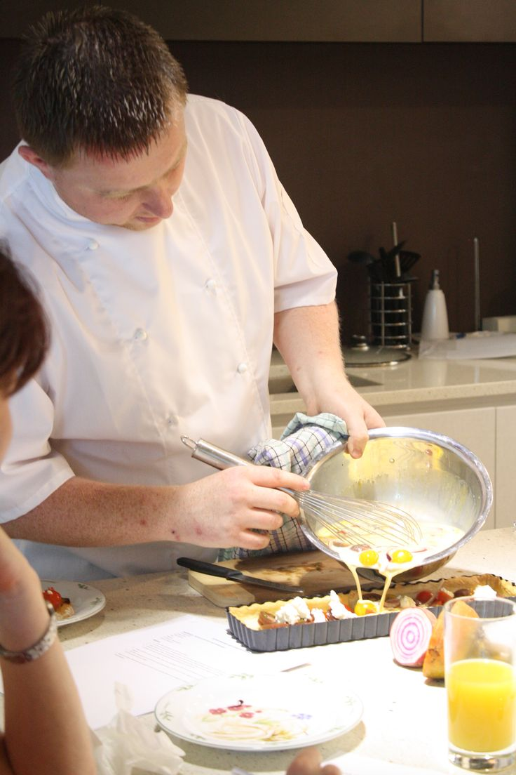 Adding the egg to the tart
