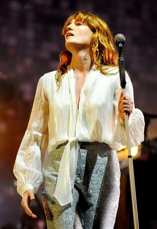 Florence Welch au Festival de Glastonbury http://www.vogue.fr/mode/inspirations/diaporama/les-meilleurs-looks-du-festival-de-glastonbury-2015/21313#florence-welch