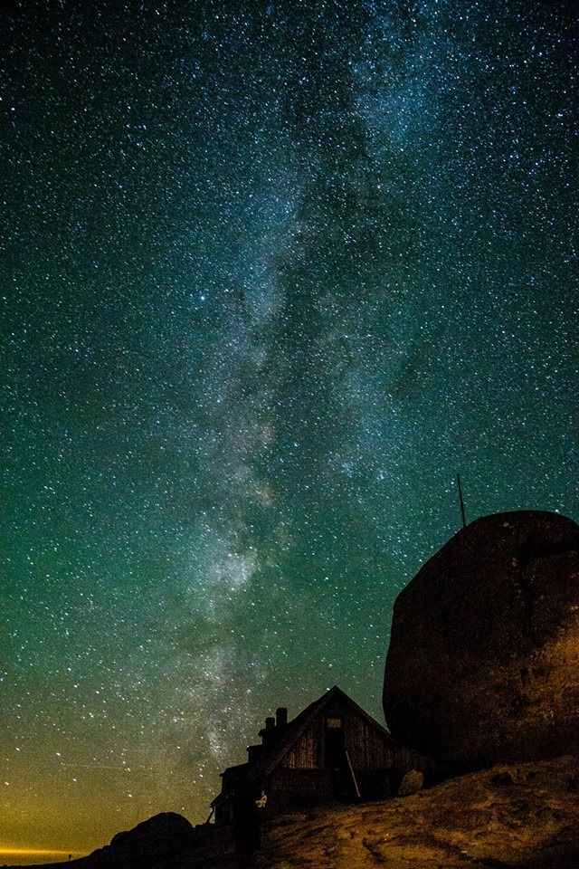 Calea Lactee vazuta de pe Varful Omu