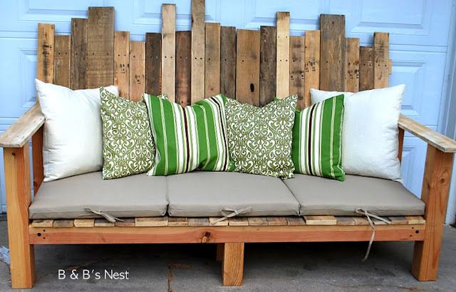 Pallet benches- This is awesome! I have an over-sized handmade swing and I want these cushions for it!