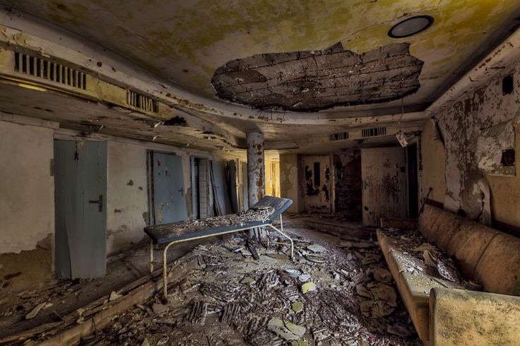 25 Never Seen Before Photographs Of Beautiful Abandoned Places In Europe - Pixte