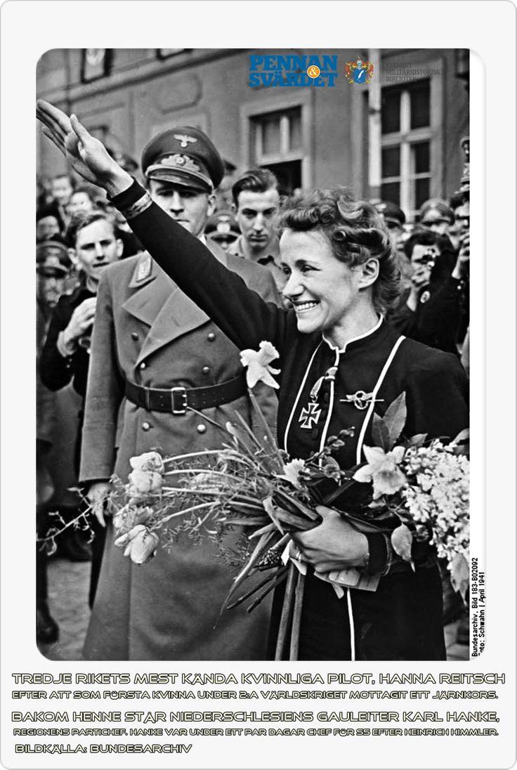 Först ut var Hannah Reitsch, hennes många riskfyllda testflygningar renderade henne 1941 ett järnkors av andra klass, det första till en kvinna i Tredje riket. Bara ett år senare fick hon järnkorset av första klass. Reitsch var den första kvinnan att flyga en helikopter, liksom den första kvinnan att flyga ett jetflygplan. Hon var även djupt involverad i utvecklingen av Leonidasskvadronen - en tysk motsvarighet till de japanska kamikazeförbanden (tokubetsu kogeki tai).
