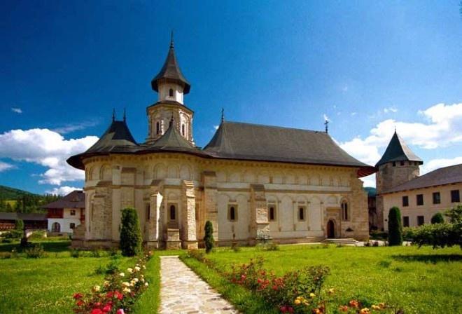 Manastirea Putna este un lacas monahal ortodox, unul din cele mai importante centre culturale, religioase si artistice romanesti. Putna Monastery