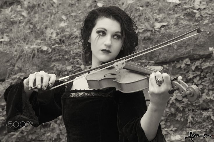 Violinist - A violinist portrait at Lucca Comics last november..