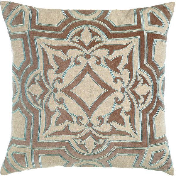 Traditional Accent Pillows : 1000+ ideas about Traditional Throws on Pinterest Art colleges, Dorm tapestry and College room