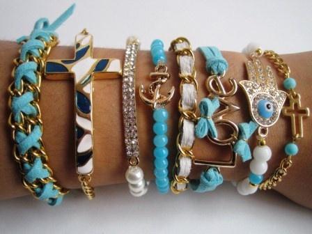 Set pulseras MAR ACCESORIOS $57.000 cual quieres: la cruz pequeña, la del ancla y la de cuero blanca delgada son de $6000, la de love y la de cuero azul doble cadena son de $7.000, la cruz grande y la barrita con incrustaciones swarovski $8.000 y la hamsa $10.000  #accesorios #accessories #aretes #earrings #collares #necklaces #pulseras #bracelets #bisuteria #jewelry #colombia #moda #fashion