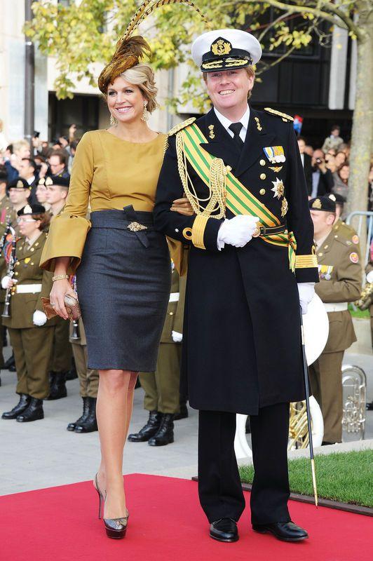 Willem-Alexander in uniform samen met Máxima. Meer weten over onze koning? Lees Duh Koning! https://itunes.apple.com/us/book/duh!-koning/id628102325?mt=11 Ook superhandig voor je spreekbeurt of werkstuk trouwens!