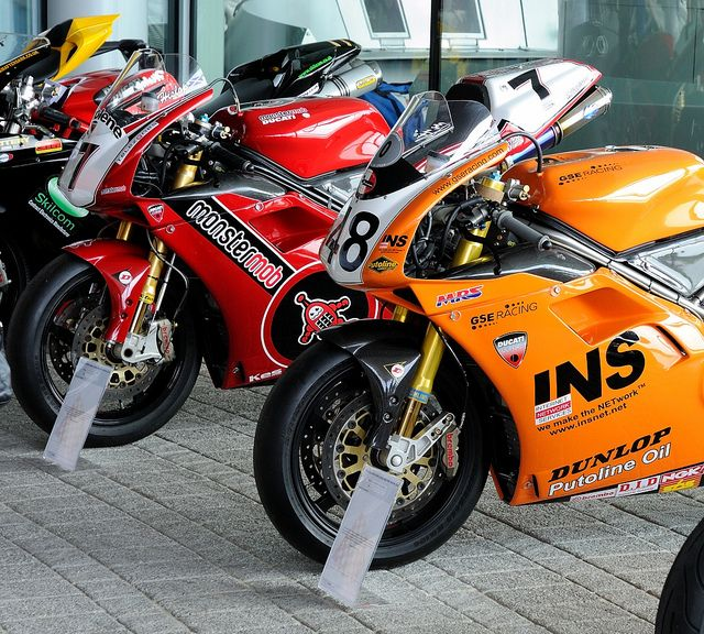 Ducati 916 Superbike racers