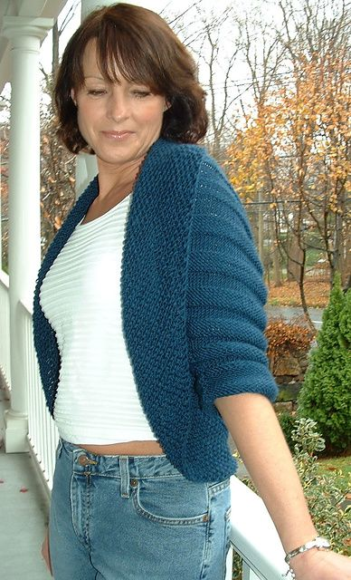 Free Pattern: Rolled-Collar Shrug by Marcia Cleary