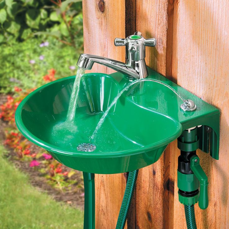 A 2in1 outdoor water fountain and faucet ensures that