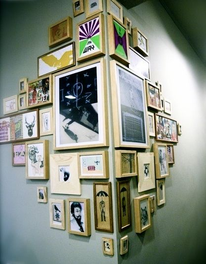 """Very cool idea: """"wrapping"""" pictures around a corner. From Ellens album"""