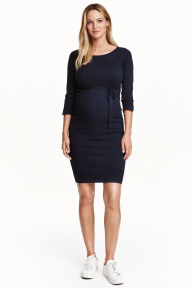 MAMA Fine-knit dress Model