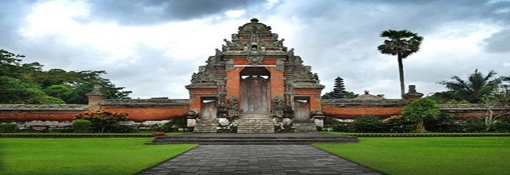 Taman Ayun Temple is situated in Mengwi Village of Badung District, around 18 km to the west of Denpasar. It is a very beautiful temple, as the name tells (Taman Ayun  means temple in a beautiful garden). In addition to its beauty