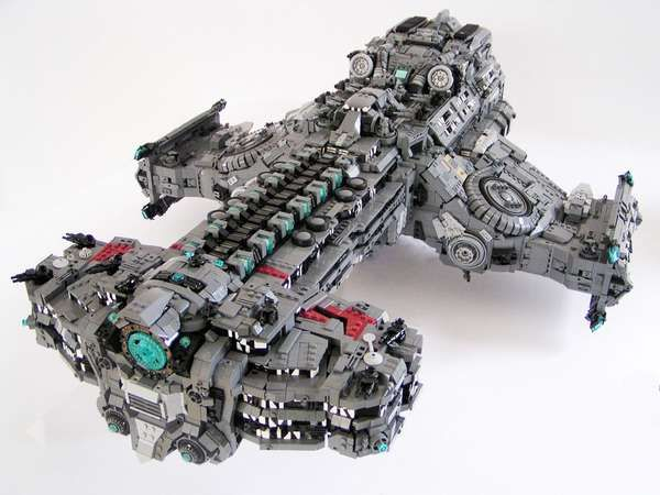 Blocky Sci-Fi Spaceship Models -  This LEGO Hyperion Battlecruiser Recreates StarCraft 2 Vehicle #starcraft #design #lego