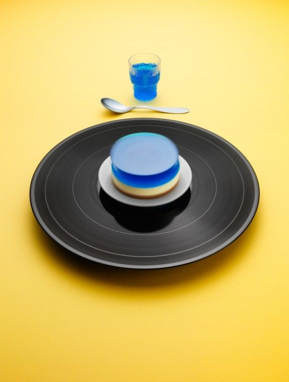 """Vinyl Desserts at 33 RPM by Philip Karlberg & Mattias Nyhlin. Title: """"Here I go again"""" by Whitesnake: Cheese cake with jelly. #epicurism #colorstudy"""