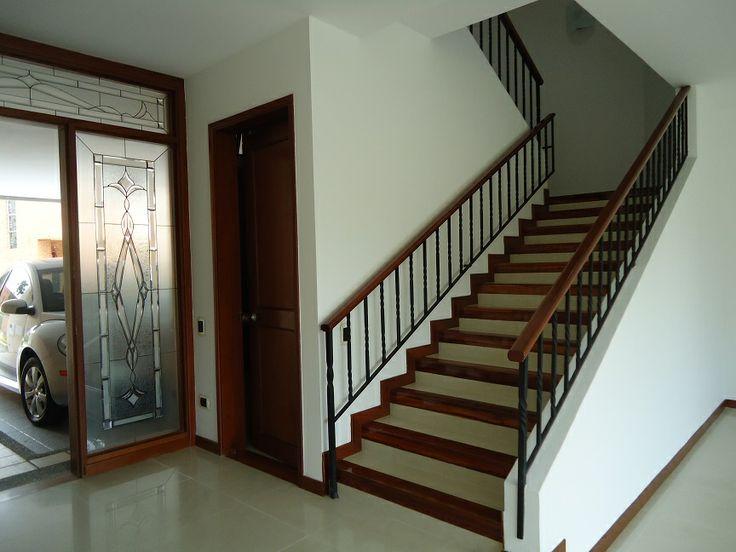 Entrada y Escaleras.