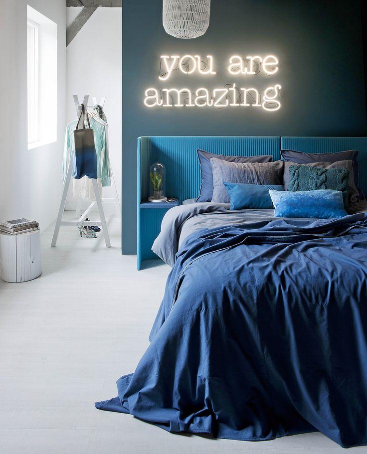 Camaieu de bleus pour la chambre.