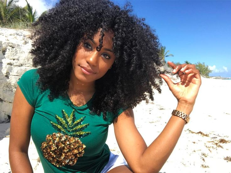 - Sherice Major (@shesomajor) Curly hair. Curly girl. Natural hair. Curls. Curly fro.