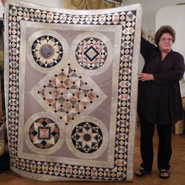 23 best Bella Bella Quilts images on Pinterest | Beautiful ... : bella bella quilts by norah mcmeeking - Adamdwight.com