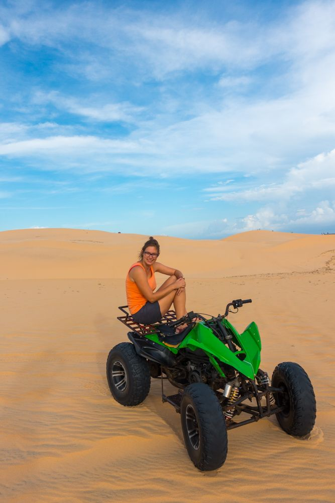 Drive a quad on the White Sand Dunes in Mui Ne, Vietnam! | Read more about what to do in Mui Ne on http://wandering.world/what-to-do-in-mui-ne/