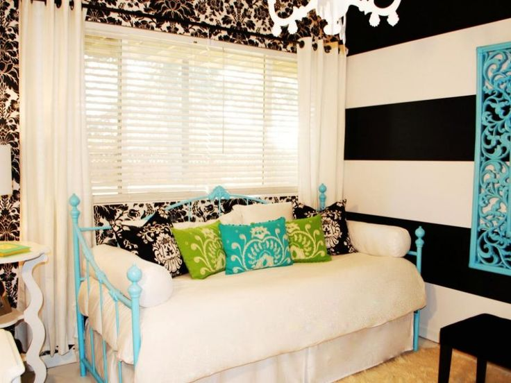 Bedroom: Black And White Teen Room With Blue Bed Frame. black and white bedroom. striped wall. white draperies. floral wallpaper. blue metal bed frame.