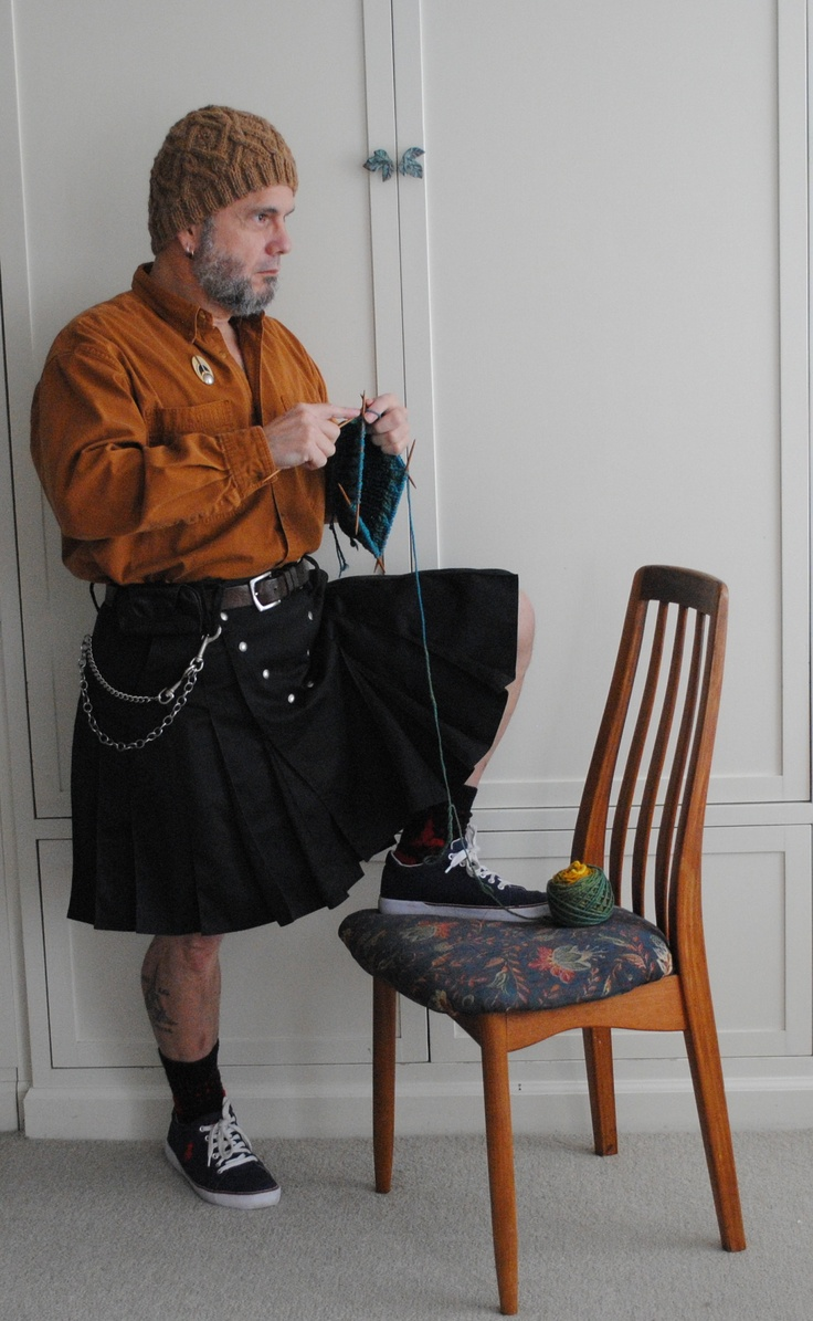 bahaha. okay okay...just because you can knit something doesn't mean you should. especially if you're a dude. kilt??