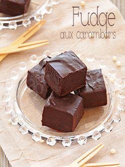 Le fudge, quand on l'essaie … On l'adopte ! Cette confiserie anglo-saxonne, mi chocolat, mi caramel est simplement … addictive ! Et surtout tellement simple à réaliser, dans sa version simplifiée … Ces derniers jours, avec le bouclage de Yummy...