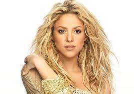 Una persona famosa en Colombia es Shakira.