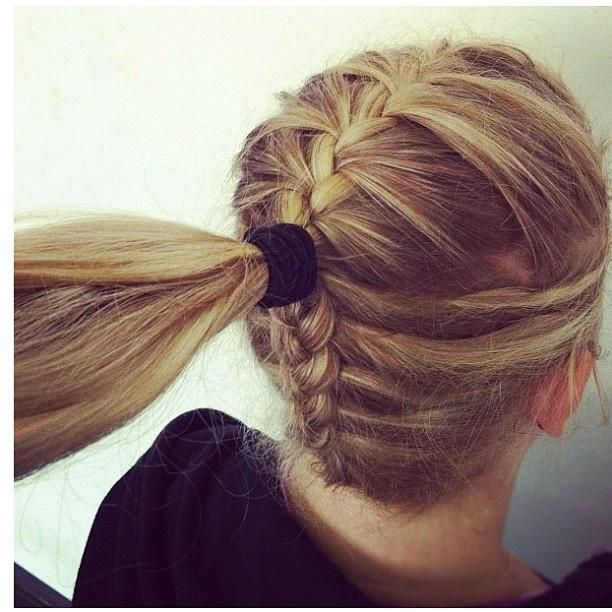 Could totally do this with a bun and it would be so cute