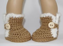 Ravelry: Furry Button Boots for 18 inch Dolls pattern by Mini Giggle Gear