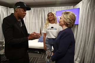 Jay-Z Punches Girl  Scroll to the Instagram post below to see the video of Jay Z punching a girl. The rapper and his wife Beyonce performed at a Hillary Clinton concert on Friday November 4 2016. The crowd went crazy when they saw the couple at the Cleveland Get-Out-the-Vote event. Immediately after the news broke Hillary haters began sharing the video below which shows Jay Z punching a girl.  Donald Trump supporters started the rumor that Jay Z hit a girl during the Hillary Clinton event on…