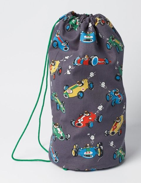Get ready for your next big game and sling your kit in this handy drawstring bag (don't forget those lucky socks). The sturdy canvas outer will last term after term, with air holes to help keep things nice and fresh – especially those socks.