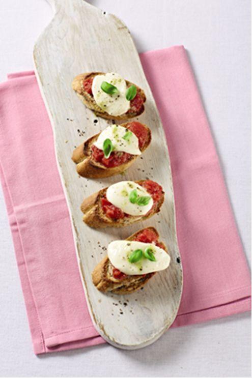 Bruschetta Topped with Mozzarella and Tomato #AldiWishList