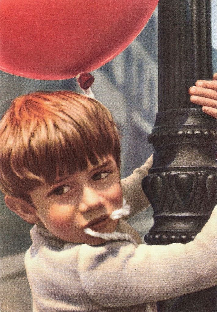 Pascal Lamorisse in Le ballon rouge (1956) | Italian postcard in the series <i>Piccoli uomini nel cinema</i> by Ed. Villaggio del Fanciullo, Bologna. Photo: Cino del Duca. Publicity still for <i>Le ballon rouge/The red balloon</i> (Albert Lamorisse, 1956).   French child actor <b>Pascal Lamorisse</b> (1950) is known by film lovers all over the world because of his parts in the short films <i>Crin blanc: Le cheval sauvage</i> (1953) and <i>Le ballon rouge</i> (1956), both directed by his…
