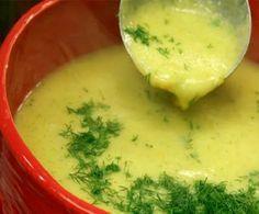Bol Sebzeli Çorba    Malzemeler        2 havuç      1 patates      1 soğan      1 diş sarımsak      3 çiçek brokoli      1 kabak      1 çorba k. tereyağı      2 çorba k. un      1 su b. süt      Su      Tuz    Yapılışı;    Sebzeleri temizleyip küp küp doğrayın. Haşlanan sebzeleri blenderle püre haline getirin.    Tencereye tereyağı ve unu koyup kavuruyoruz. Püre haline getrdiğimiz sebzeleri ve suyunu ilave edip kaynatıyoruz. Çorbanın pürüzsüz olmasını istiyorsanız, tekrar blenderlayın.