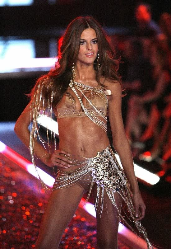I'm jealous of vs models... Bc they get paid to workout and wear lingerie every day. My dream