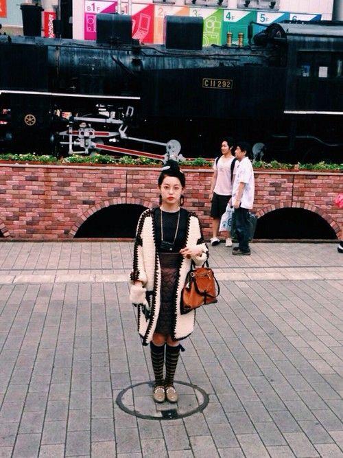青柳文子│THEATRE PRODUCTSのスカートコーディネート-WEAR