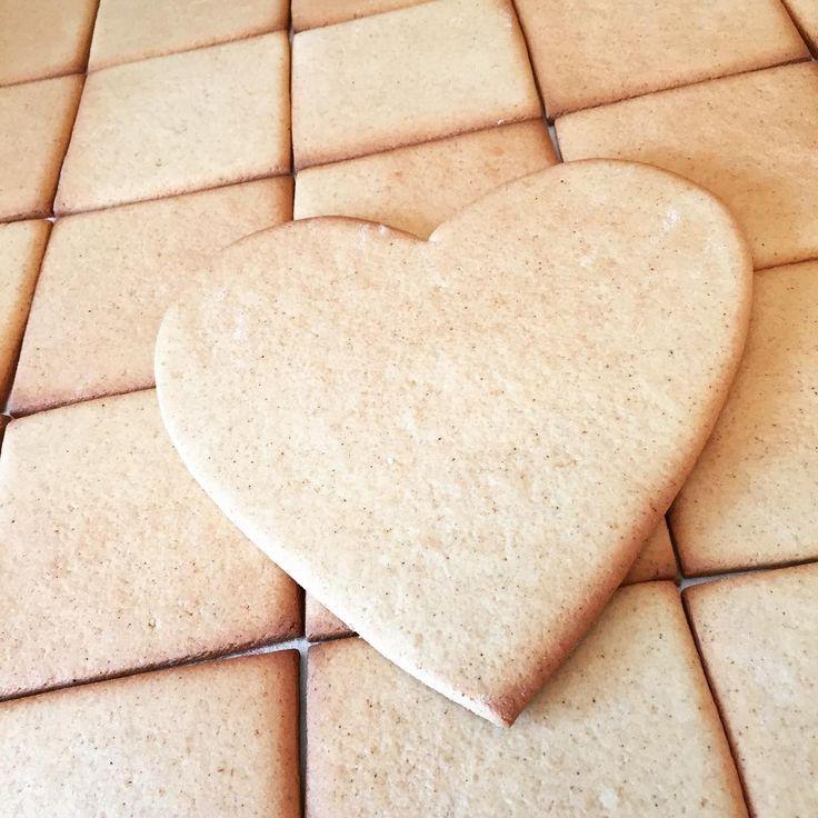 Ma sütögettem. :) #mezesgombolyag #mézeskalács #mezeskalacs #kézzelkészült #gingerbread #baking #handmade