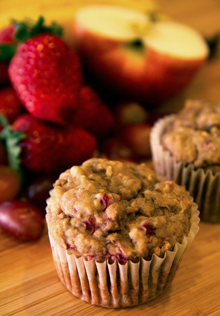 Naturally Sweet: Fruity No-Sugar Muffins 2   ripe bananas 1 cup strawberries (about 12) Half an apple 1/2 cup red grapes (12   to 15) 1/4 cup canola oil 1 1/2 cups whole wheat flour 1 teaspoon baking soda 1   teaspoon salt 350F 18min