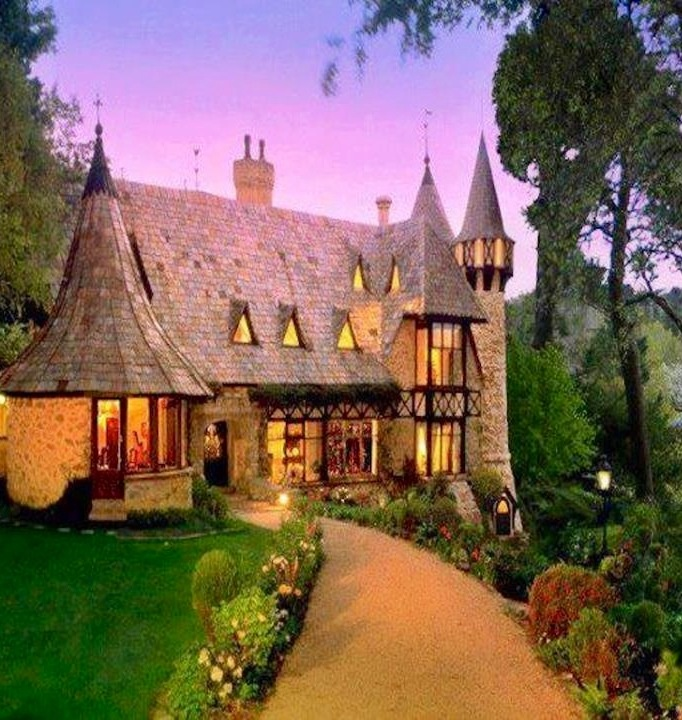 Pinterest the world s catalog of ideas for Cute cheap houses
