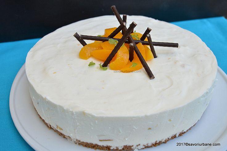 Tort cu iaurt si piersici reteta fara coacere. Un tort din iaurt cu frisca si fructe din compot sau proaspete, lejer, extrem se simplu si de rapid. Practic