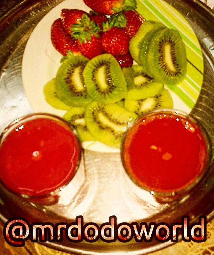 Healthy snack #kiwi #strawberry #juice #healthy #diet #fruits #fresh #snack #breakfast