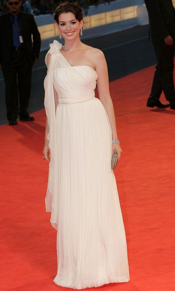 Anne Hathaway In A White Stunning Chiffron Gown At The Venice Film Festival 2006