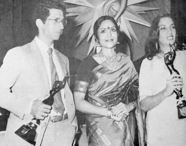Naseeruddin Shah with Vyjayanthimala and Shabana Azmi at a Filmfare awards ceremony