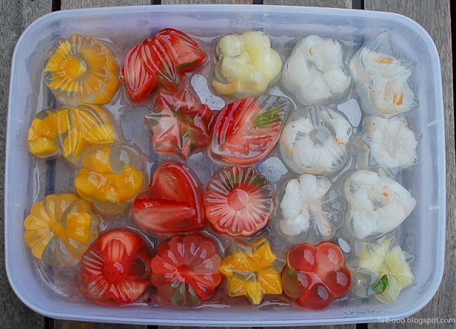 Japanese Konnyaku jellies with fresh fruit pieces inside are absolutely the way to go with refreshing desserts in Summer. Recipe included.