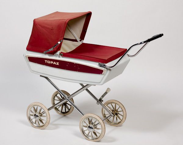 A 1970s Toy Doll's Pram, 2004_3 by Black Country Museums, via Flickr  just like my one!