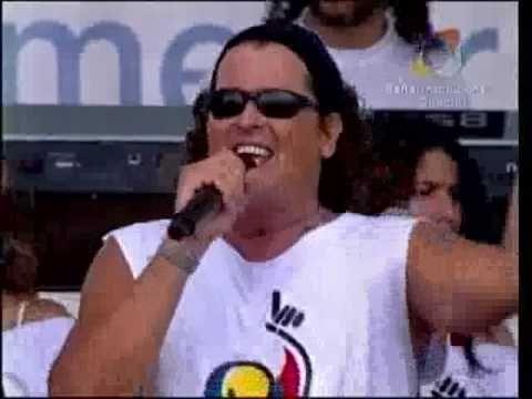 Carlos Vives canta 'Quiero Verte Sonreir'