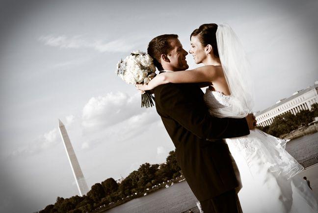 Wedding portrait with Washington Monument