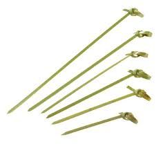 """Our NOSHI Bamboo Looped Skewers are sure to add a creative touch to cocktail garnishes and cheese trays. They feature a unique looped design and are constructed of naturally green bamboo. After use, you can recycle the bamboo or having it biodegradate. The skewers measure 4.1"""" L and are available in a bigger size 4.7"""". 50 pieces come in a pack."""