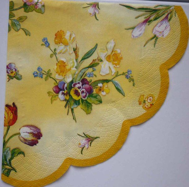 YELLOW FLOWERS PANSIES NAPKIN DECOUPAGE SERVIETTE von La Papera Gialla auf DaWanda.com